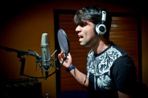 """Ecco Mark J Evo, il cantautore napoletano che ama la musica latina. """"Otra como tù"""" è il nuovo singolo."""